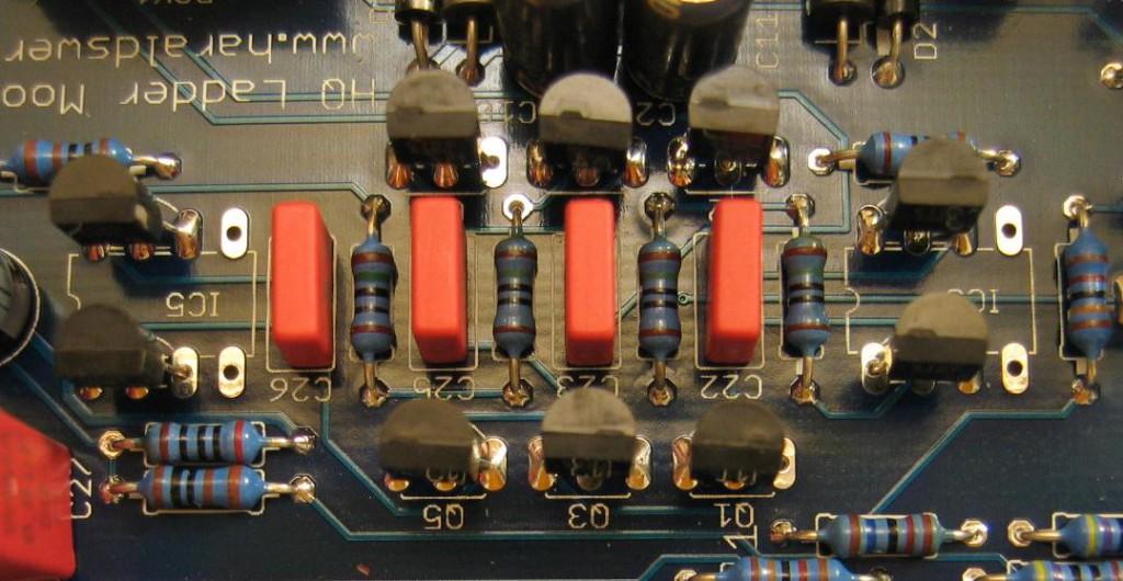 Moog Ladder Filter with discrete transistors closeup