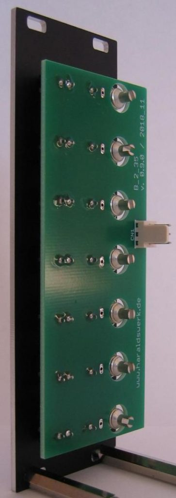 Banana to 3.5 Eurorack connection back view