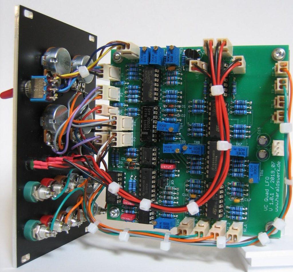 Voltage controlled quadrature LFO back view
