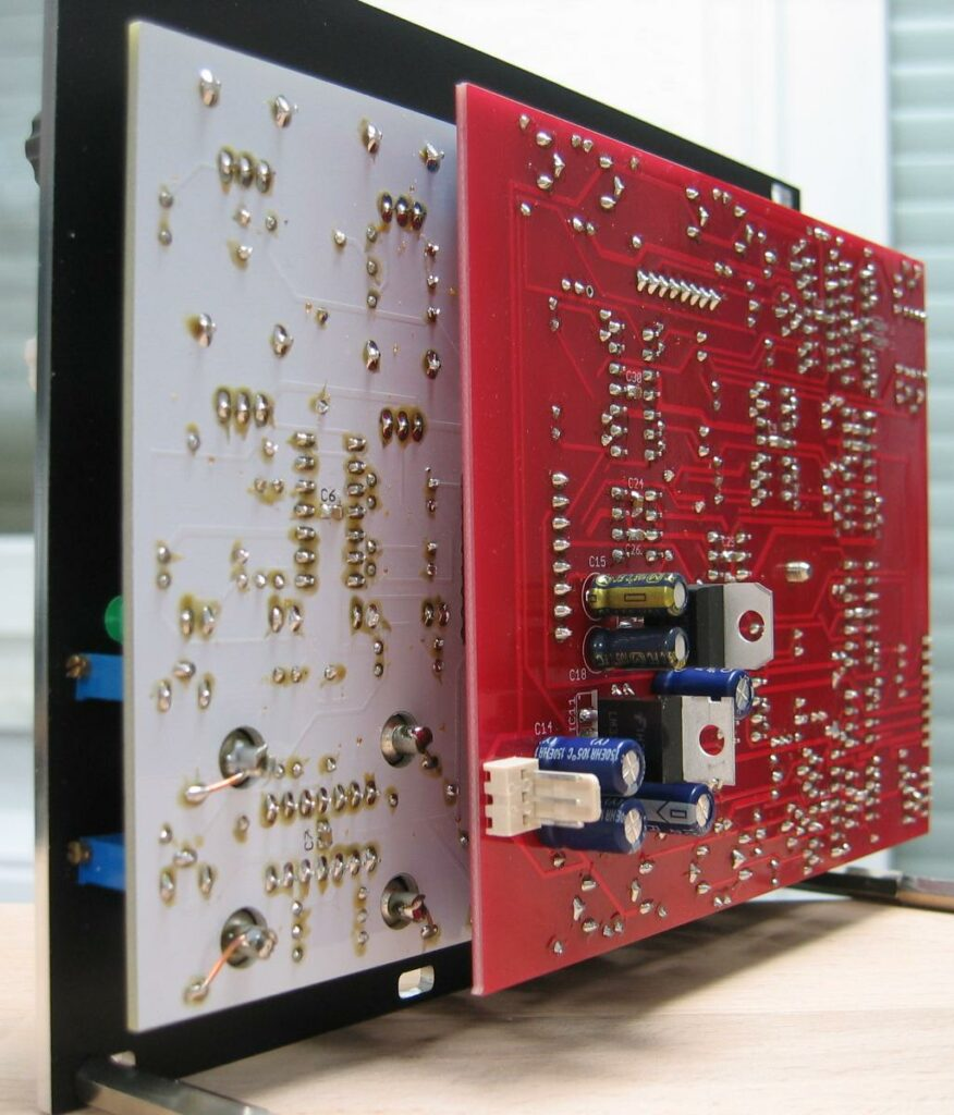 Trapezoid quadrature VCO through zero (flat version) with waveshapers: Back view