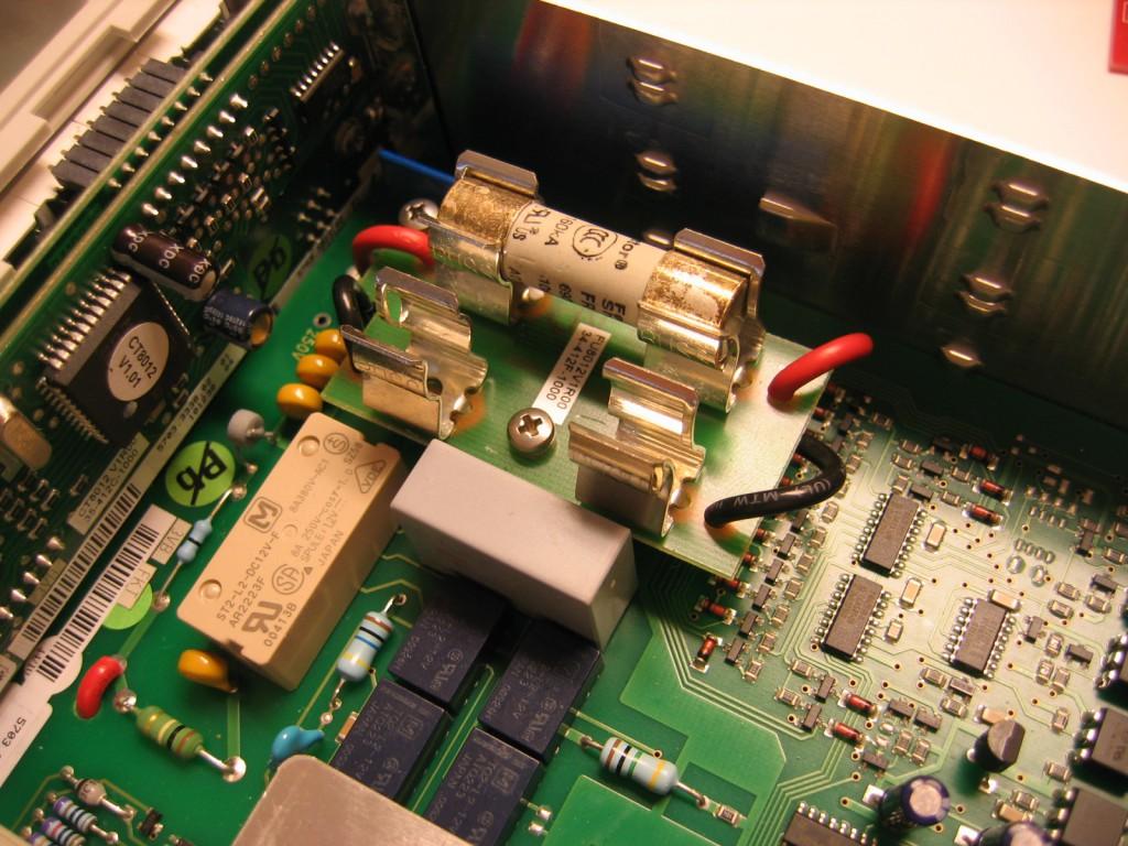 Hameg HM8012 Multimeter fuse removed