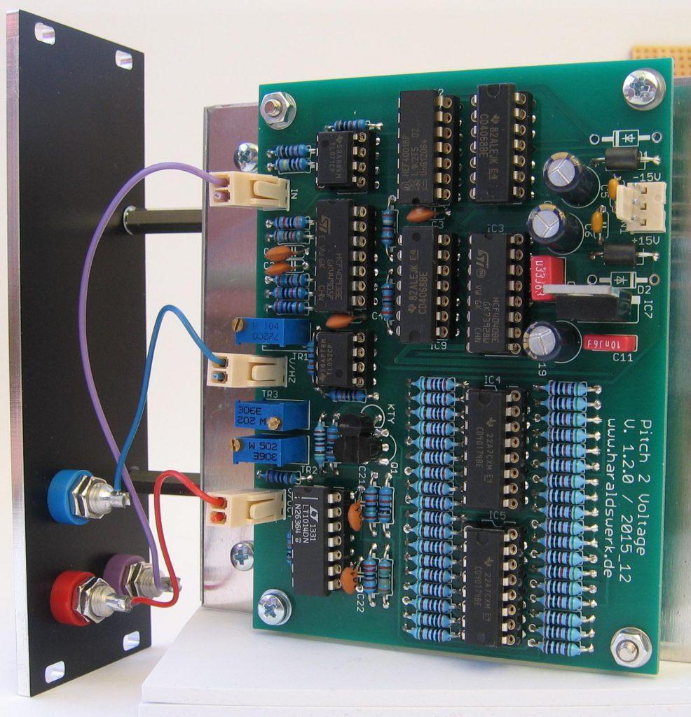 Pitch 2 voltage converter: Back