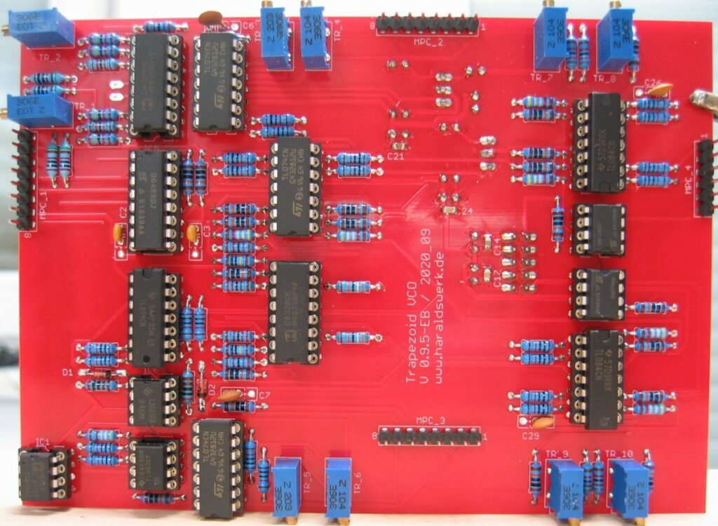Trapezoid quadrature through zero VCO with waveshapers: Populated main PCB